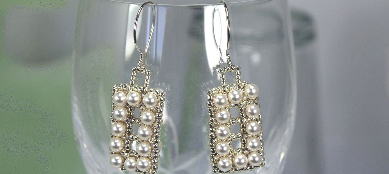 Rectangle Pearls - Earrings
