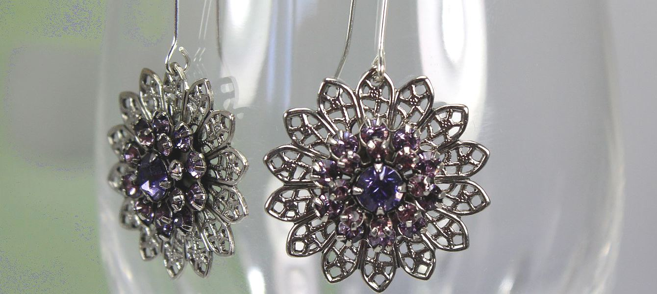 Image of Garden Violet Earrings