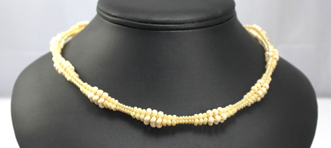Nancy's Necklace - Ivory